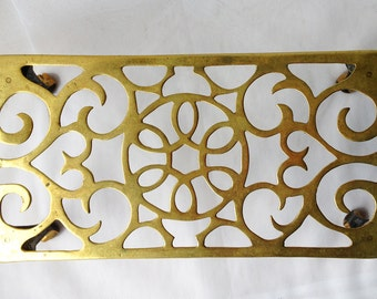 Antique English Brass Footman Fireplace Trivet with Floral motive, 1890s, from UK
