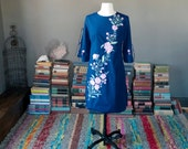 Vintage stunning FLORAL EMBROIDERY mini caftan kimono sleeve SHIFT dress / Mexican beach vacation resort dress