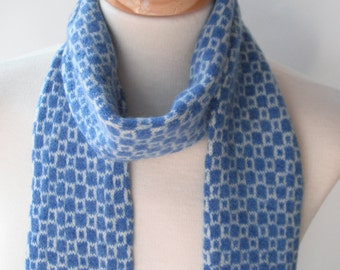 Op-Art Scarf in Blue and White - Felted Merino Lambswool