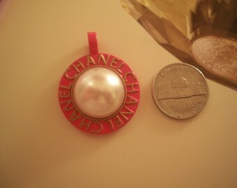 CHANEL MOON Big authentic Pink Pop Poppy Gold White Pearl pendant charm Vintage 80s 70s  Stunning statement piece Signed