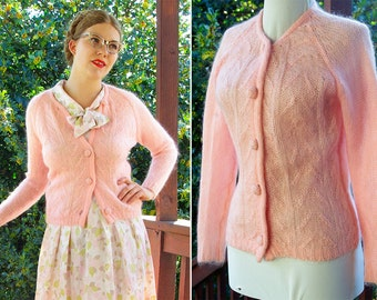 COTTON CANDY 1950's 60's Baby Pink Lambswool Cardigan Sweater // by VICEROY // size Small