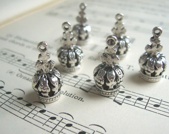 SALE Little Silver Crown charms - silver plated 3D - 18mm - 6 pieces