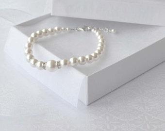 Pearl Bridal Bracelet, White Pearl Bracelet, Pearl and Sterling Bracelet, Wedding Jewelry, Bridesmaid Gift, Simple Pearl Bracelet, Swarovski