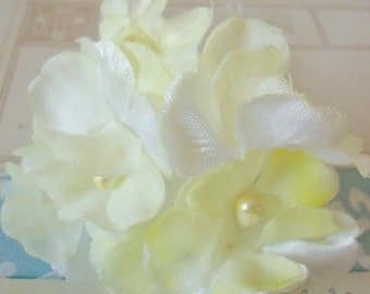 Vintage Millinery / Delicate Yellow Blossoms / One Bouquet