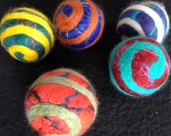 10 BIG KID Size Party Carnival Balls - Swirl Felt Balls - 26 mm to 32 mm  Merino wool with silk infusion