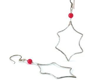Holly Berry Earrings. Holly Leaf Earrings. Sterling Silver, Red Coral, Holly Leaf, Berry Textured Earrings. Christmas Earrings. Red Berries