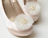 Bridal Shoe Clips in Ivory or White - Pearl and Rhinstone Center - Bridesmaid Shoe Clips - Ballerina Bling Shoe Clips