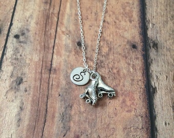 Roller skates initial necklace - roller derby necklace, silver roller skates necklace, roller derby jewelry, roller skates jewelry