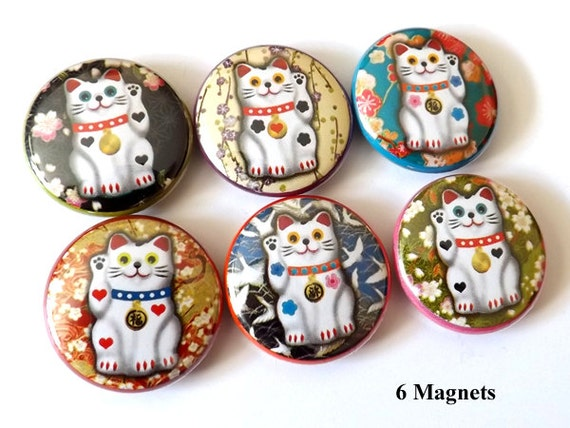 Fortune Cat Maneki Neko 1 inch refrigerator Magnets lucky wave stocking stuffer party favors wedding shower gifts flair fridge pin geekery