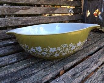 Vintage Pyrex Avocado Green Crazy Daisies (Daisy) Cinderella Bowl