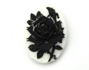 Plastic Cameos Rose Flower 18x13mm Black / White (4) IC103