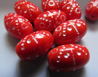 Vintage Glass Beads (12)(14x9mm) Red & Silver Glass Beads
