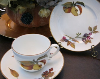 TEA ~ Evesham Tea Trio - Royal Worchester - Vintage