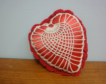 Vintage 40s Crochet Red Satin Heart Cushion Ring Bearer Pillow Keepsake Valentine
