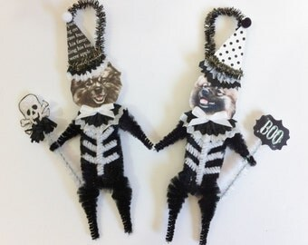 Keeshond SKELETON Halloween vintage style CHENILLE ORNAMENTS set of 2
