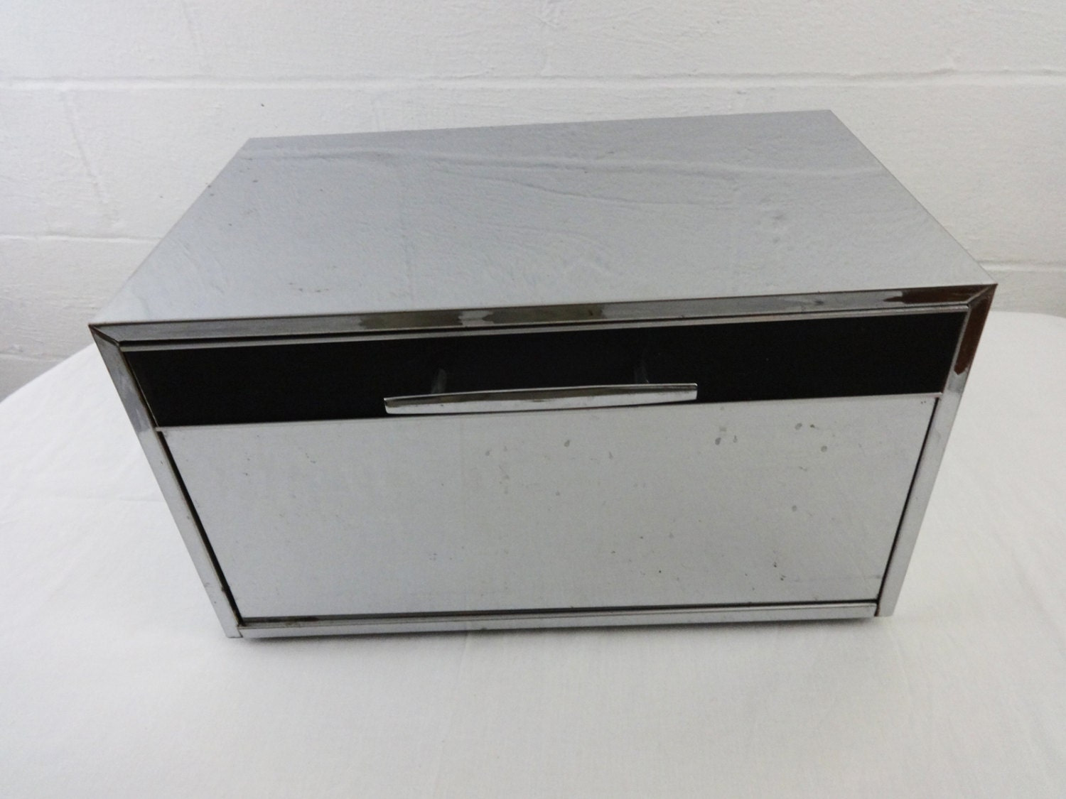 1950s masterware chrome bread box with cutting board and. Black Bedroom Furniture Sets. Home Design Ideas