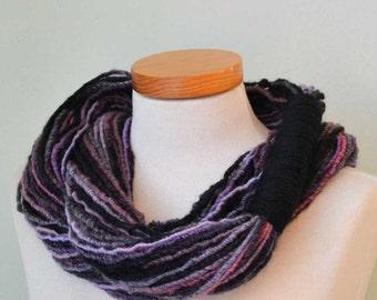 Infinity loop scarf. Black and pinks  G662
