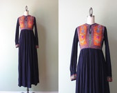 1970s India Cotton Maxi Dress / Vintage 70s Crewel Work Festival Dress / India Cotton Gauze Embroidered Dress