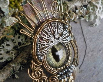 Gothic Steampunk Queen Eye Pin Pendant Brooch