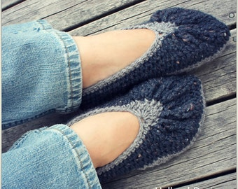Download Now - CROCHET PATTERN Two-Tone Slippers - All Ladies Sizes - Pattern PDF