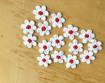 Crochet Flowers Appliques 117.11 --- 12 pcs --- Tiny Size flowers in White Petals with Centre in Red