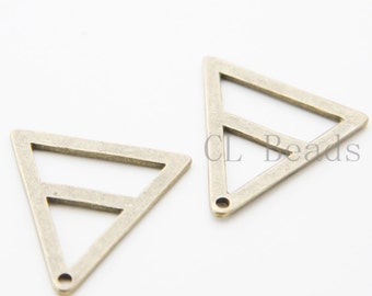 10pcs Antique Brass Tone Base Metal Charms- Triangle 29mm (25795Y-T-11)
