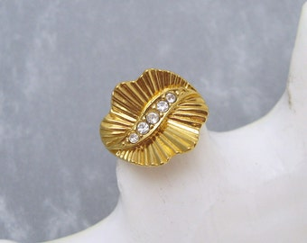 Vintage Rhinestone Ring Costume Jewelry R6076