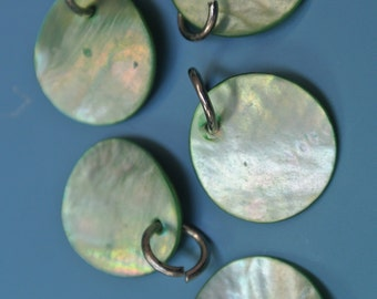 Lot of 8 vintage 1980s round dyed green mother of pearl MOP charms for your jewelry prodjects