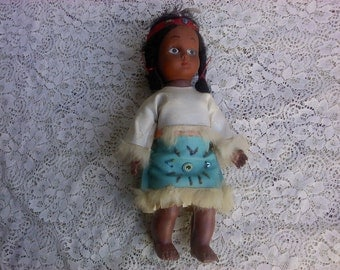 FREE SHIPPING doll Native American doll vintage bead work (Vault 10)