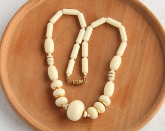 Cream Bead Necklace Chunky Atomic Vintage Off White Goldtone Space Age