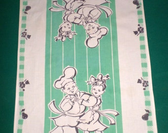 Vintage Linen Kitchen Towel - Chef and Wife - Dancing Chef Kitchen Dish Towel - Green Towel - Old Linen Towel - Hand Towel
