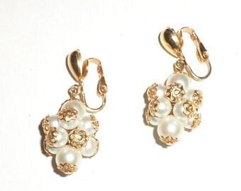 Vintage Earrings - Pearly Bead Gold Tone Dangle Earrings - Clip On Earrings - Brides Earrings - Wedding Jewelry - Wedding Earrings
