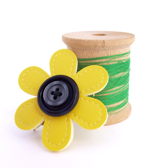 Vinyl Flower Barrette, alligator hair clip style with stacked buttons, sunny yellow / black / grey