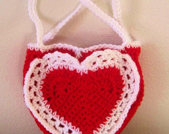 Crocheted Two-Pocket Valentines Heart Purse