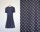 SALE / vintage '80s/'90s navy blue & white POLKADOT short sleeve MIDI dress. size xs s.