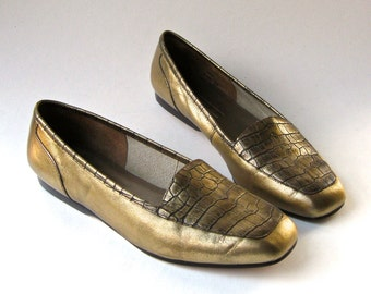 vintage Enzo Angiolini Gold Reptile Embossed Leather Flats
