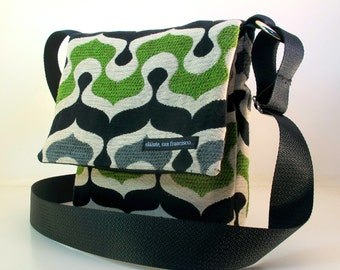 "SALE! Hip Bag in gray ""Suuk"". Green, grey black bag. Adjustable strap. Cross Body. Washable. White ballistic nylon lining."