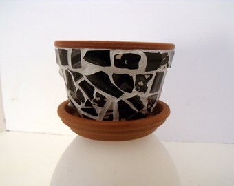 Mosaic Flower Pot  with Saucer  Black and White