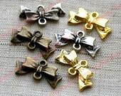 Papillon Bow connecteur charmes - laiton ancien, argent, or et Antique-10p.