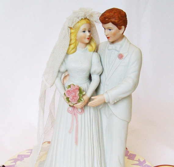 Bride Song To Groom: Vintage Large Bride And Groom Cake Topper Music Box By
