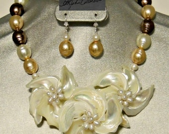 Stunning Wedding Mother/Mother-inLaw Mother of Pearl Flower and Pearl Necklace Earring Set.  Free Shipping within the US.