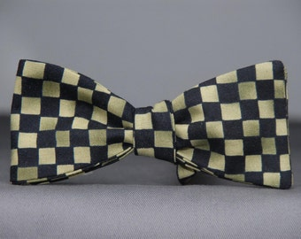 Gradient Green and Black Checked  Bow Tie
