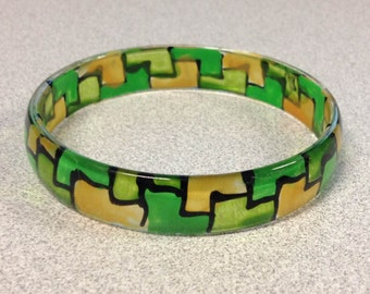 1970s Vintage Plastic Mosaic Design Bracelet in Light GREEN Dark GREEN and  YELLOW