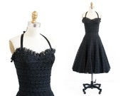 vintage 1950s dress / 50s dress / Black Lace Halter Neck Sundress