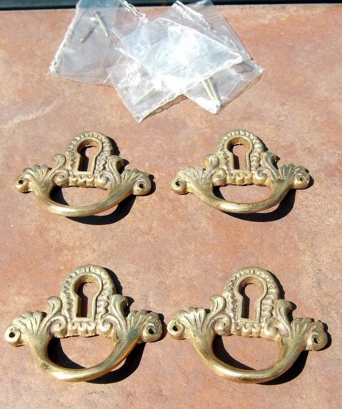 Set of 4 brass key hole drawer pulls from lakewaycandles for Key drawer handles