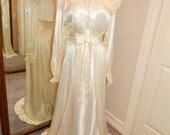Peinoir night gown and robe set