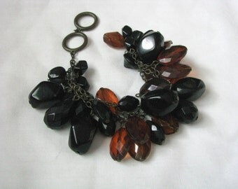 Dramatic fun and funky brown black bead necklace signed Mark (Avon)