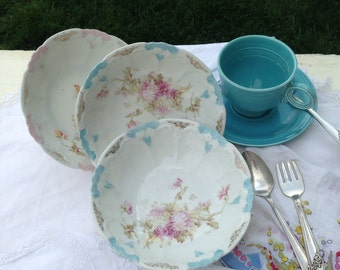 Two Lovely Delicate Dishes Vintage Welmar Germany Fruit Bowl blue pink
