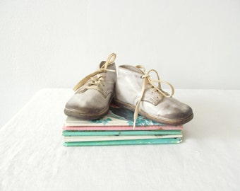 Antique Baby Shoes . Pair of White Leather Childen's Shoes . Vintage Nursery Decor