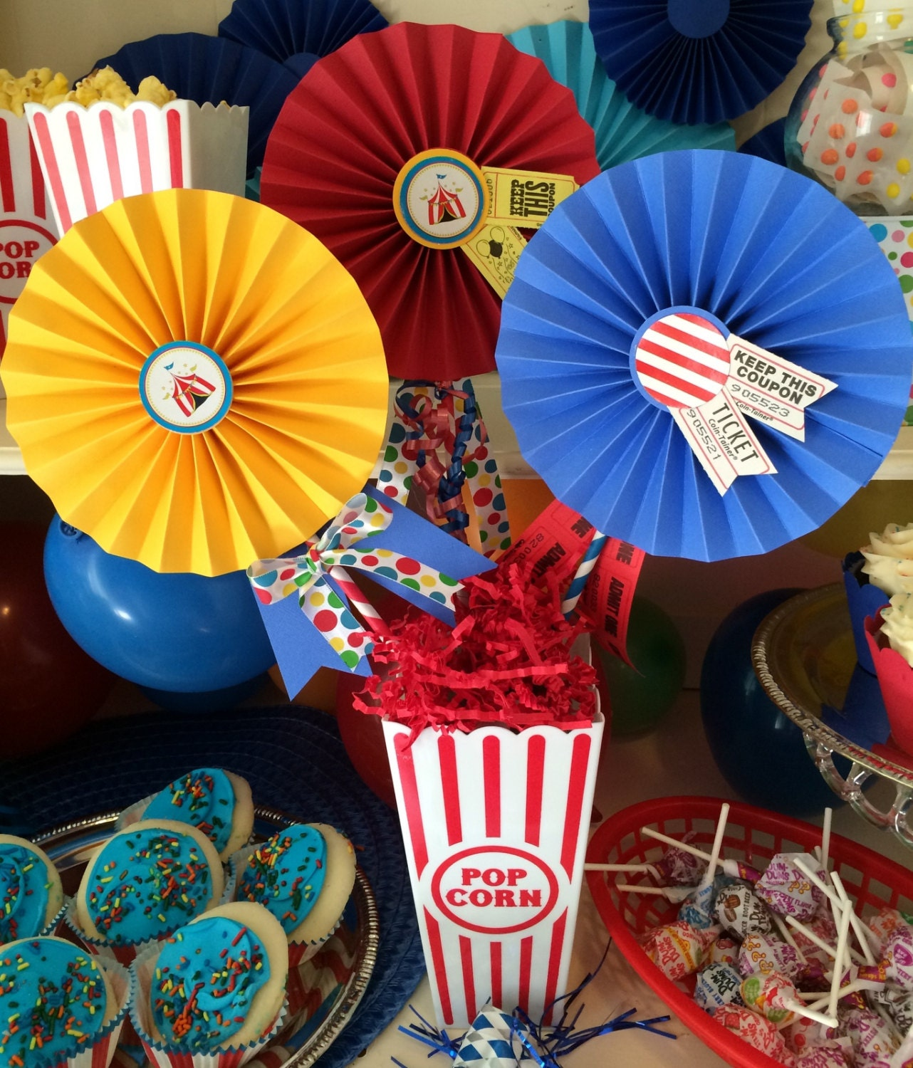 carnival circus party centerpiece 3 decorated by quiltedcupcake. Black Bedroom Furniture Sets. Home Design Ideas